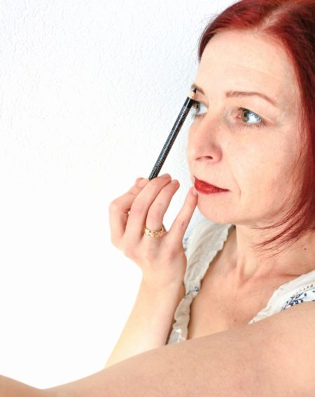 technic-cosmetic-uk-eyebrow-pencil-shadownlight