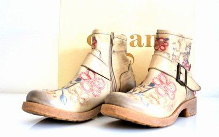 schuhe-boots-cream
