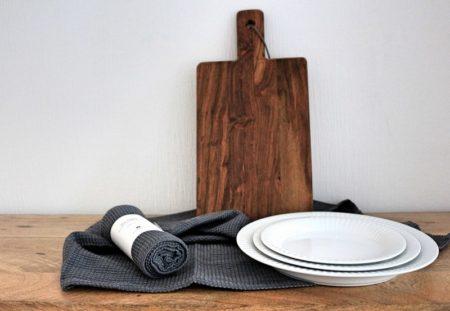 Küchenhelfer-skandinavisch-kähler-design-teller-hammershoi