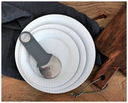 Skandinavische Küchenhelfer und Geschirr