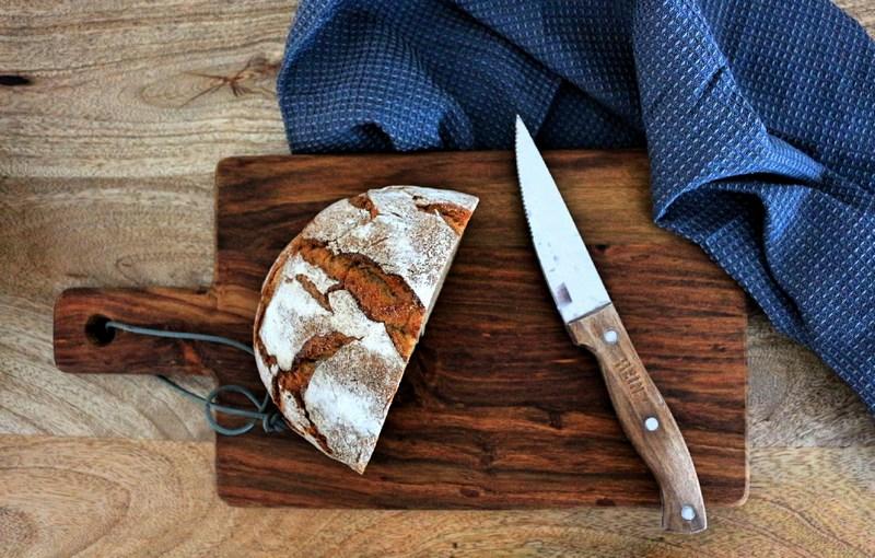 Küchenhelfer-skandinavisch-schneidebrett