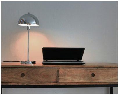 Schreibtischlampe im skandinavischem Stil