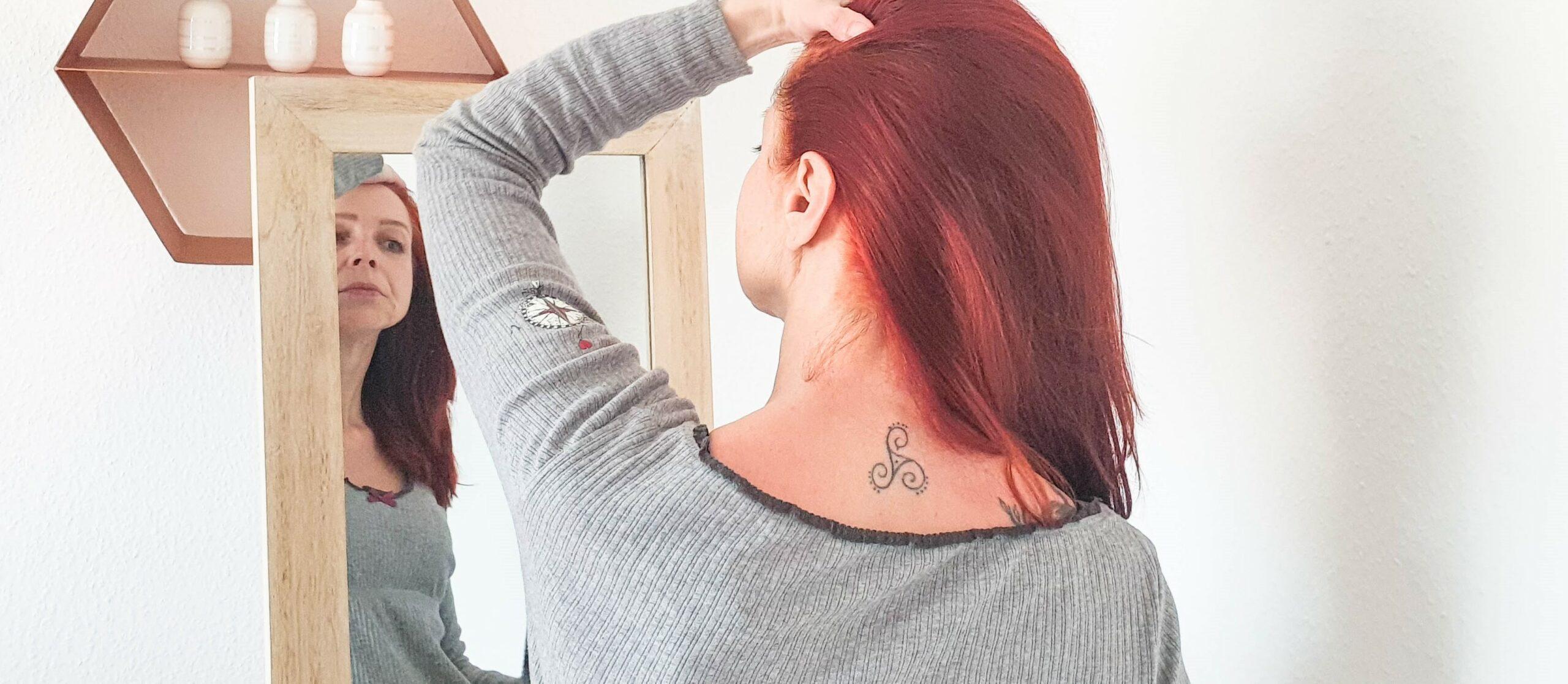 Spiegelbild trockene Haare